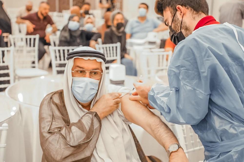 حملات التطعيم ضد فايروس كورونا مستمره في نقابات المجموعة الطبية