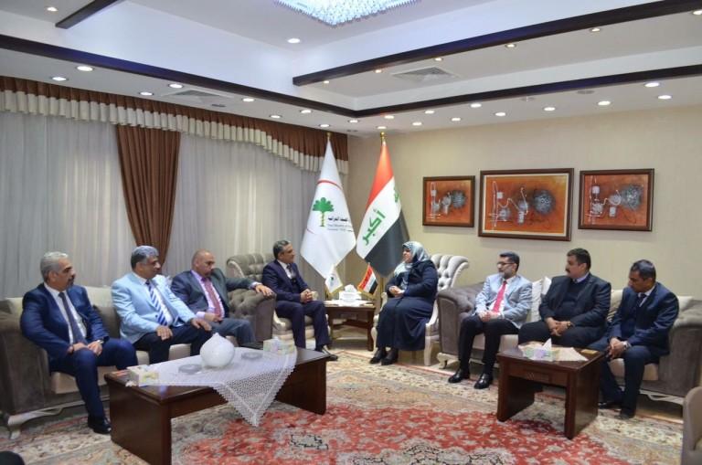 بين وزارة الصحة و البيئة ونقابة اطباء العراق
