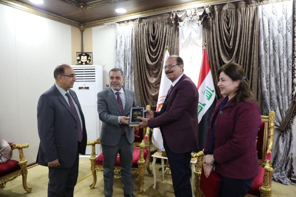 نقيب أطباء العراق العام يستقبل محافظ بغداد