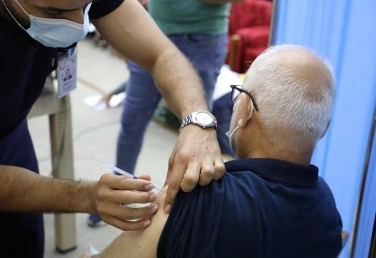 تطعيم الكوادر الطبية بالجرعة #الثانية من #اللقاح