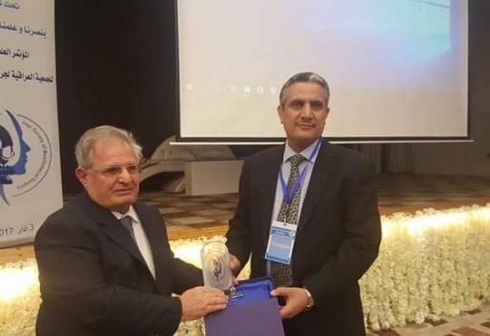 """تكريم نقيب اطباء العراق الاستاذ الدكتور """" عبد الامير محسن الشمري"""""""