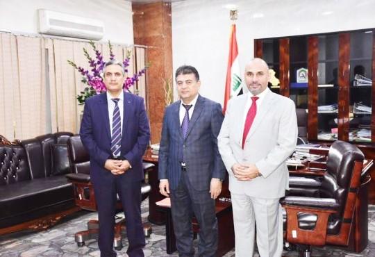 لقاء السيد نقيب اطباء العراق مع امينة بغداد الدكتورة ذكرى علوش