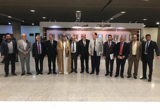 شارك النائب الثاني لنقيب اطباء العراق الدكتور عامر الشمري في وفد يمثل نقابات العراق زيارته الى مجلس النواب لتنسيق الرؤى فيما يتعلق بالنهوض بالواقع النقابي في العراق