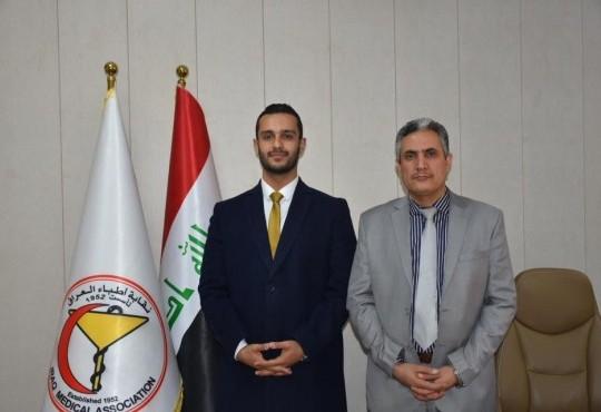 استقبل نقيب اطباء العراق الدكتور ((عبدالامير محسن حسين)) رئيس الجمعية العراقية لطلبة الطب الدكتو