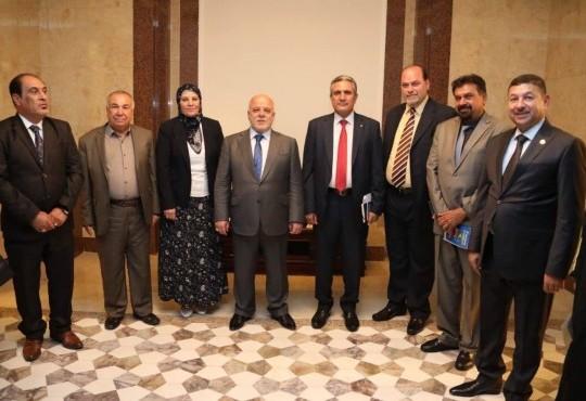 حضر السيد نقيب أطباء العراق الدكتور((عبد الأمير محسن حسين)) مع مجموعة من رؤساء النقابات والاتحادات لقاءا مع السيد رئيس مجلس الوزراء وتم خلال اللقاء طرح وجهة نظر النقابات في الوضع الحالي للبلد ورؤيتها المستقبلية