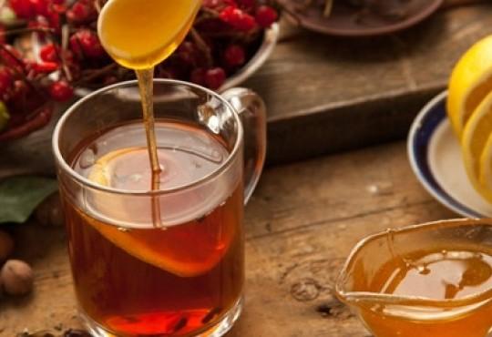 أفضل مشروبات الاعشاب لعلاج القولون العصبي
